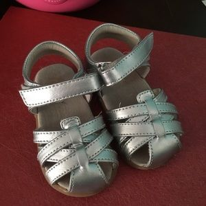Size 6 toddlers sandals
